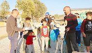 Çocukluk Hayalini Gerçekleştirdi: Eşekle Köy Çocuklarına Dostoyevski Taşıyor