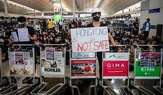 Protestolar Sürüyor: Hong Kong Uluslararası Havalimanı'nda Uçuşlar Yine İptal Edildi