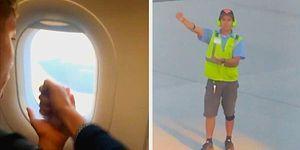 Uçağın Kalkmasını Beklediği Sırada Havaalanı Çalışanıyla Taş-Kağıt-Makas Oynayan Yolcu