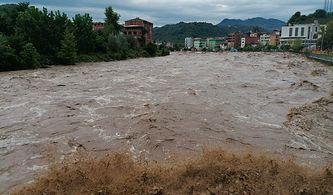 Samsun'da Sağanak Yağış Sonrası Sel ve Heyelan: İki Kişi Hayatını Kaybetti, Kayıplar Var