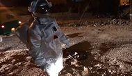 Daha İyi Yol İçin Astronot Kıyafeti Giyerek Ay'da Yürüyormuş Gibi Davranan Adamdan Müthiş Eleştiri Videosu!