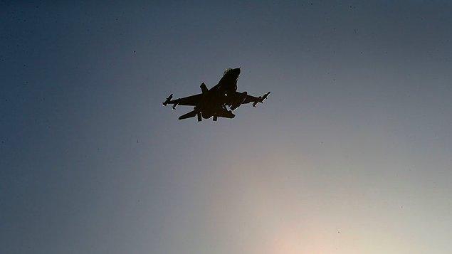 Savaş uçakları, Fırat nehrinin doğusunda, yaklaşık 30 kilometre derinliğe kadar indi.