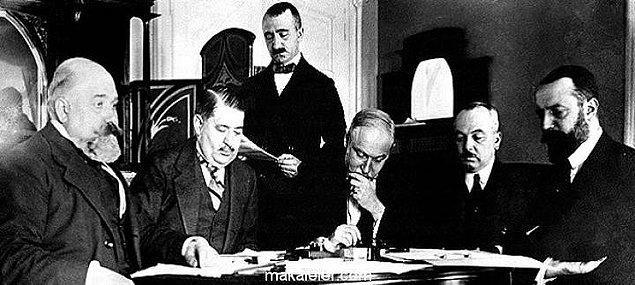 1912 - Trablusgarp Savaşı'nı sona erdiren Uşi Antlaşması imzalandı.