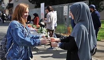 Müslümanlara En Sıcak Bakan Ülkeler Araştırıldı: Hollanda Aile Üyesi Olarak Görüyor, İtalya Son Sırada