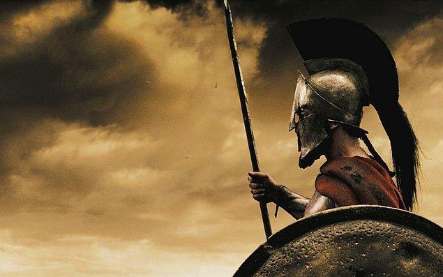 4. 300 Spartalılar Thermopylae'i alıkoyarken yanlnız değillerdi.