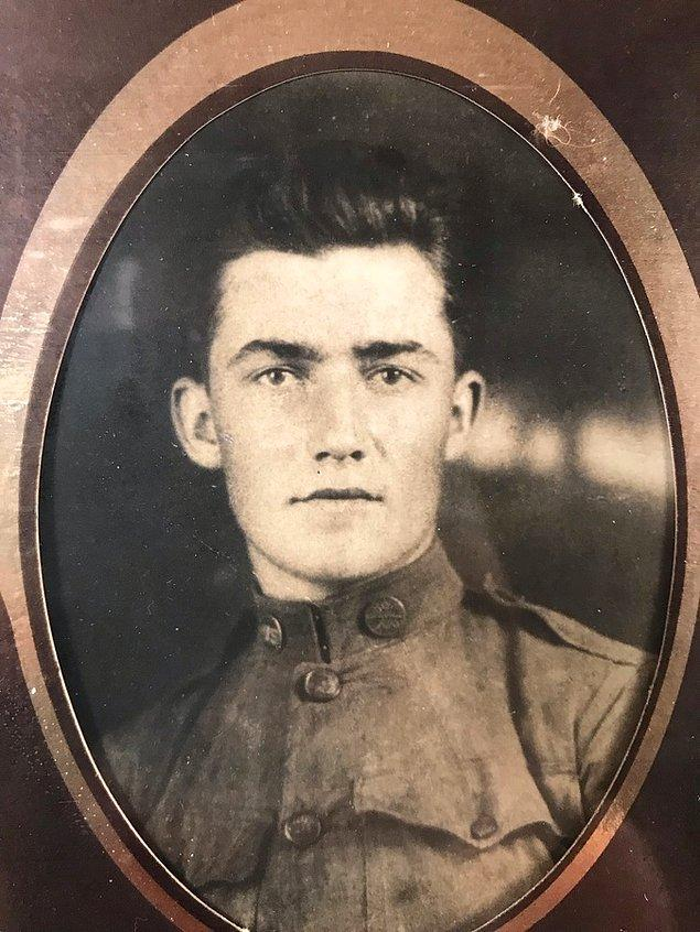 """23. """"Birinci Dünya Savaşı üniformasıyla büyük dedem."""""""
