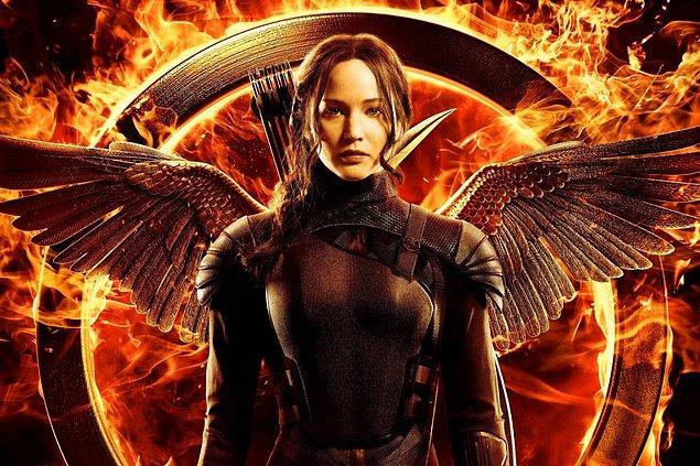 14. Hunger Games'in yönetmenliğini yapan Francis Lawrence, Hunger Games'ten önceki olaylara odaklanılacak seri için de Lionsgate ile görüşmeler halinde.