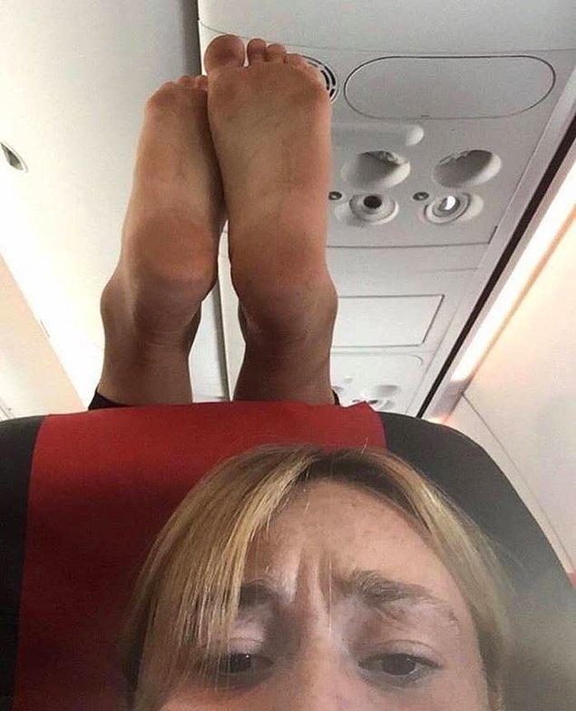 2. Uçakta böyle bir yolculuk yapmadığınız için kendinizi şanslı sayabilirsiniz!