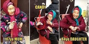 107 Yaşındaki Annesinden Şeker Alıp Mutlu Olan 84 Yaşındaki Kadın