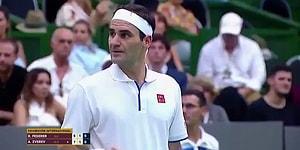 Fotoğraf Çekebilmek İçin Maçın Ortasında Hareket Etmemesini İsteyen Hayranına Poz Veren Federer