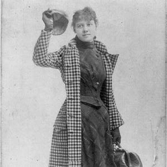 """1888'de Bly editörüne Jules Verne'ün """"80 Günde Devr-i Alem"""" eserini ilk kez gerçeğe dönüştüren insan olmak için bir fikir sundu. Bir yıl sonra 14 Kasım 1889 09.40'ta 40,070 kilometrelik yolculuğuna başladı."""