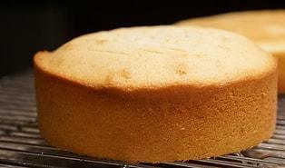 Hazır Pasta Tabanları Almaya Son! Evinizde Yumuşacık Pandispanyalar Yapabilirsiniz! Pandispanya Nasıl Yapılır?