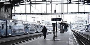 Metrolar Çalışmayacak, Uçuşlar İptal: Macron'un Emeklilik Reformuna Karşı Milyonlarca Kişi Greve Gidiyor