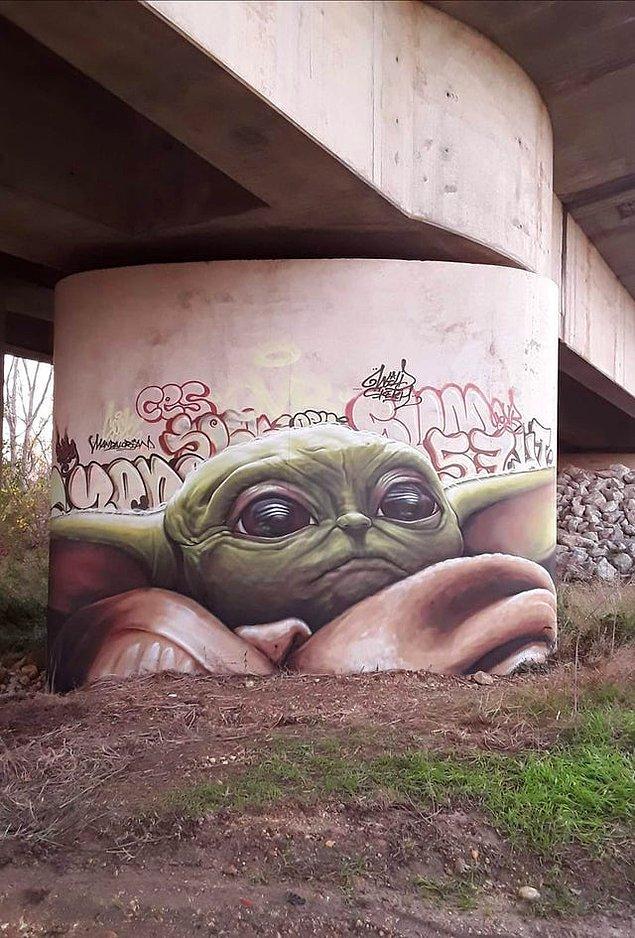 5. Bebiş Yoda, Fransa'da görüldü.