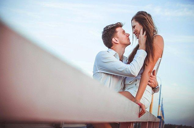 4. Partneriniz, sizi yetersiz olduğunuza inandırmış olabilir. Size bunu doğrudan söylemiyor olsa da, sürekli sizi kırmak istemediğini ima ediyor olabilir.