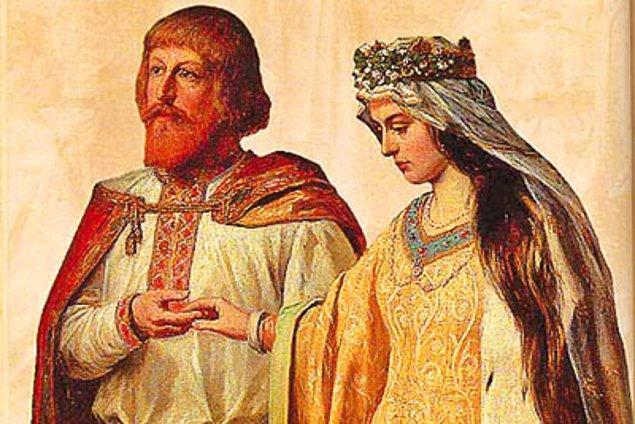 Ancak nişan konusunda kesin ayrımı 1215 yılında Papa III. Innocentius gerçekleştirmiş. Papa çiftlerin evlenme kararı aldıktan sonra bir süre yüzük takarak nişanlı kalmalarını tavsiye etmiş.
