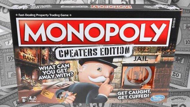 """12. """"Sonunda eski kız arkadaşıma en uygun hediyeyi bulabildim. Üzerinde 'Aldatanlara özel' yazan monopoly."""""""
