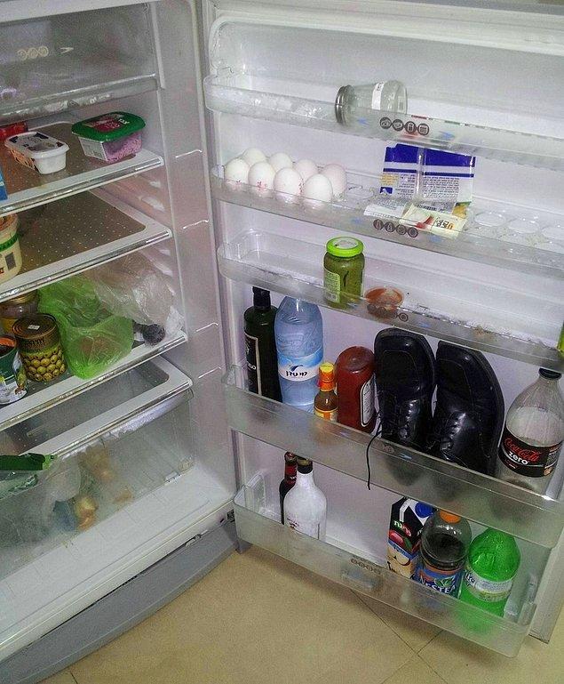 """6. """"Dün gece eve aşırı sarhoş geldim, sabah kahvaltı yapmak için dolabı açtığımda bunu gördüm."""""""