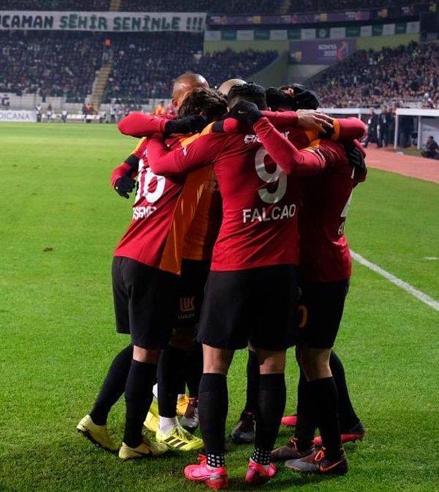 Golün asistini yapan Saracchi, Süper Lig'deki 2. maçında 2. asistini yaparken Emre Akbaba ise bu sezon forma giydiği 3 resmi maçta 3. kez ağları havalandırdı.