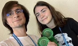 Projeleri Ödül Almıştı: Arda ve Zeynep, Yurt Dışından Aldıkları Davetlere Burs Bulamadıkları İçin Gidemiyor