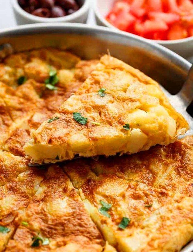 Patatesli Omletin Hazırlanışı