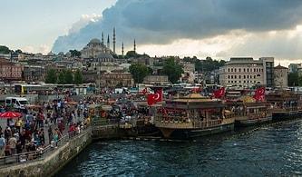 Mahkeme Tahliye Kararını Kaldırdı: Eminönü'ndeki Tekneler Balık Ekmek Satabilecek