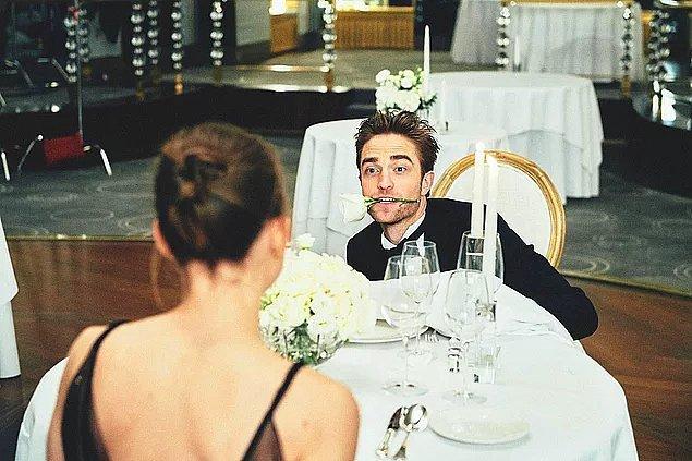 Robert Pattinson'ı en son Dior reklamında gördüğümüz zaman yüreğimiz hop etmişti...