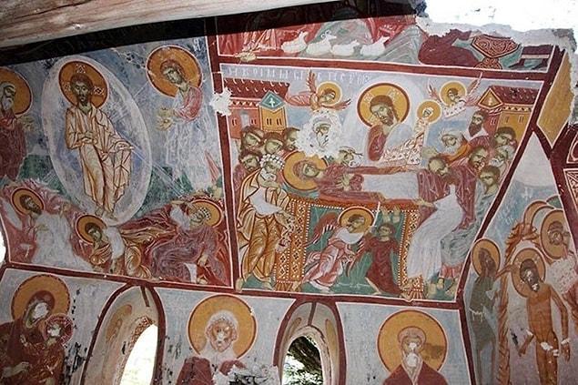 İçinde Hz. İsa'yı ve onun doğumunu anlatan benzersiz mozaikler var. Trabzon'un simgesi haline gelen manastır her yıl binlerce turisti ağırlıyor.