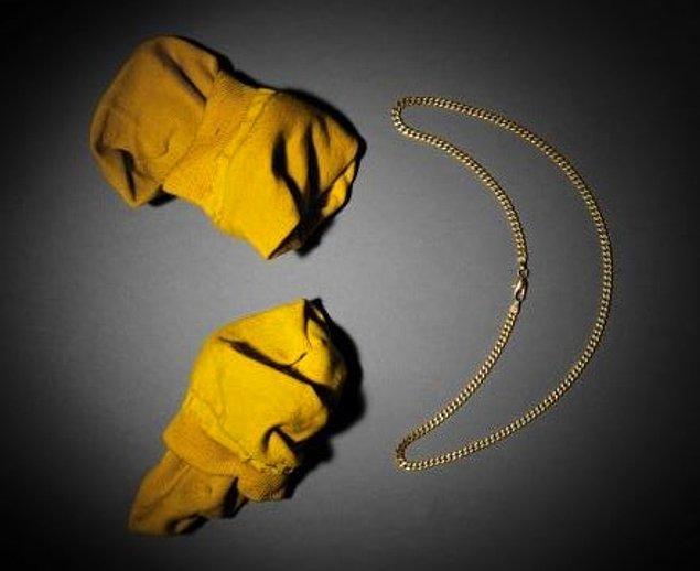 6. Bu don kimin donu? Ay pardon, bu sarı çoraplar kimin çorabıydı bildin umarım.