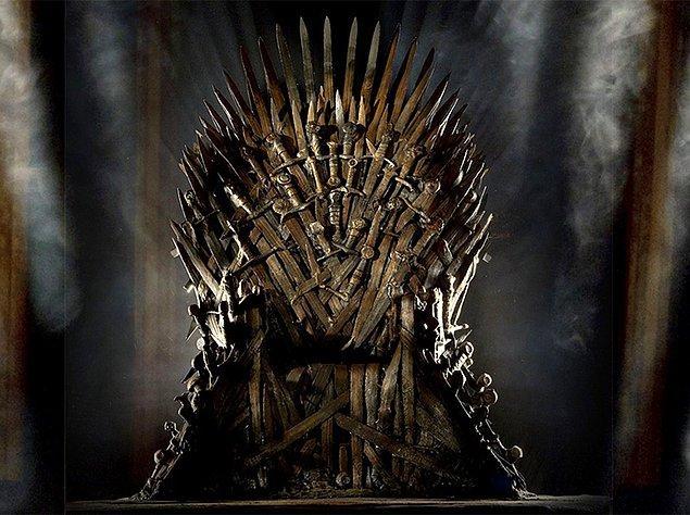 19. Demir Taht bir objeden çok daha fazlası. Ama gördüğümüz anda da bize 'Game of Thrones'u hatırlatan ikonik bir obje diyoruz, ne yapalım...