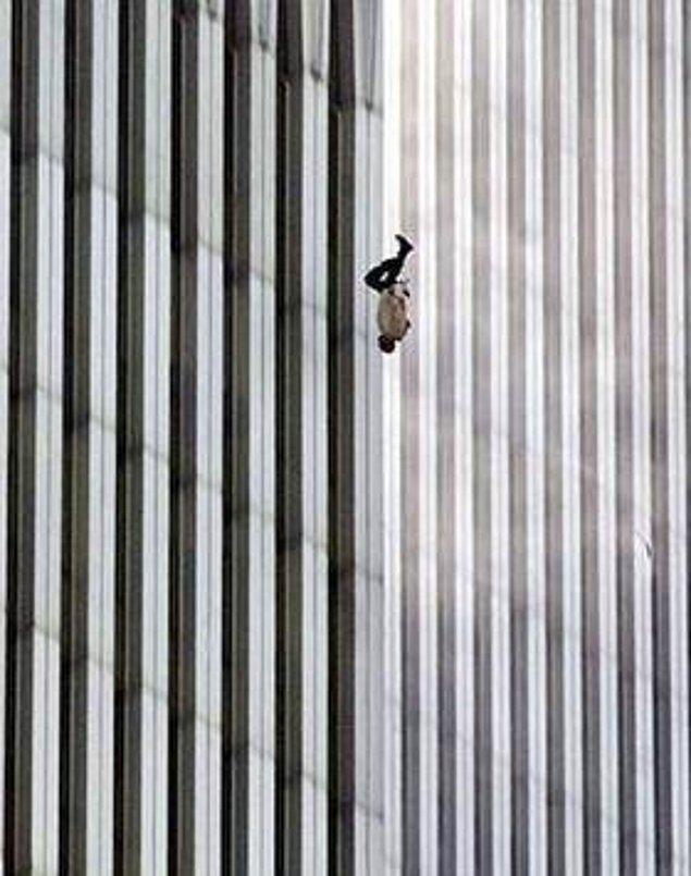4. 11 Eylül saldırılarında, binadan atlayarak ölmeyi tercih eden bir vatandaş.