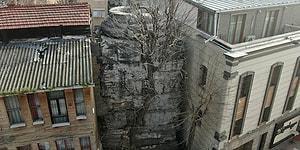 Bir Tarih Daha Yok Oluyor: İstanbul´da İki Bina Arasında Sıkışan 1.600 Yıllık Sütunda Derin Çatlaklar Oluştu