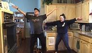 Koronavirüs Nedeniyle Ev Karantinasındaki Zamanlarını Dans Ederek Geçiren Müthiş Aile