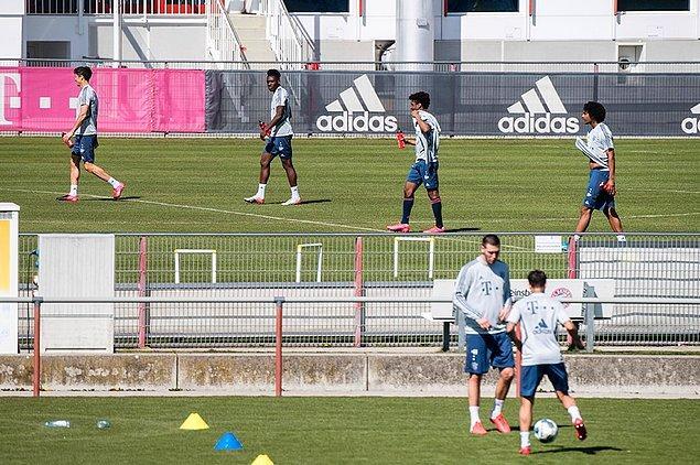 12. Bayern Münih, bugün itibariyle küçük gruplar halinde antrenmanlara yeniden başladı.