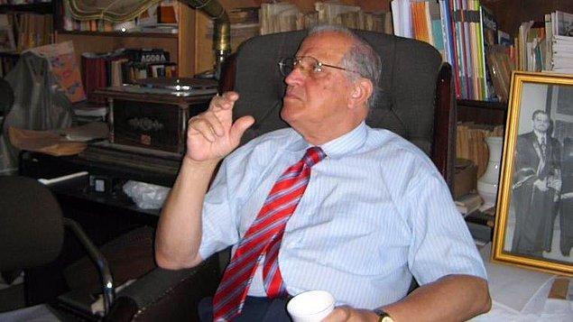 Prof. Dr. Ülkü Azrak, Covid-19 nedeniyle hayatını kaybetti