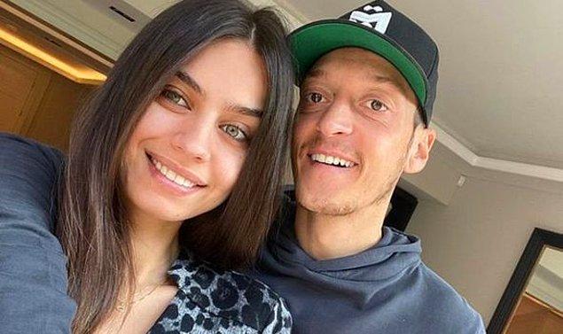 4. Yakın zamanda baba olan ünlü futbolcu Mesut Özil'in eşi Amine Gülşe, 2014 yılında kraliçelik tacını takmıştı.