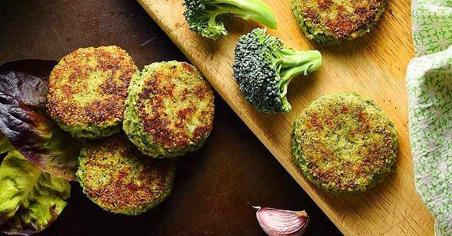 8. Tam bir lezzet şöleni: Patatesli Brokoli Köftesi Tarifi