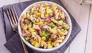 Online Ders Sırasında Çaktırmadan Bir Şeyler Atıştıracaksan: Ton Balıklı Makarna Salatası