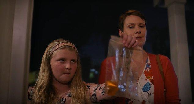 Cinayetin tek görgü tanığı olan Shandy adlı küçük kız, Jen'in eşine çarpan arabanın kopan farından bir parçayı saklamış ve nihayetinde Jen'e getirmişti!