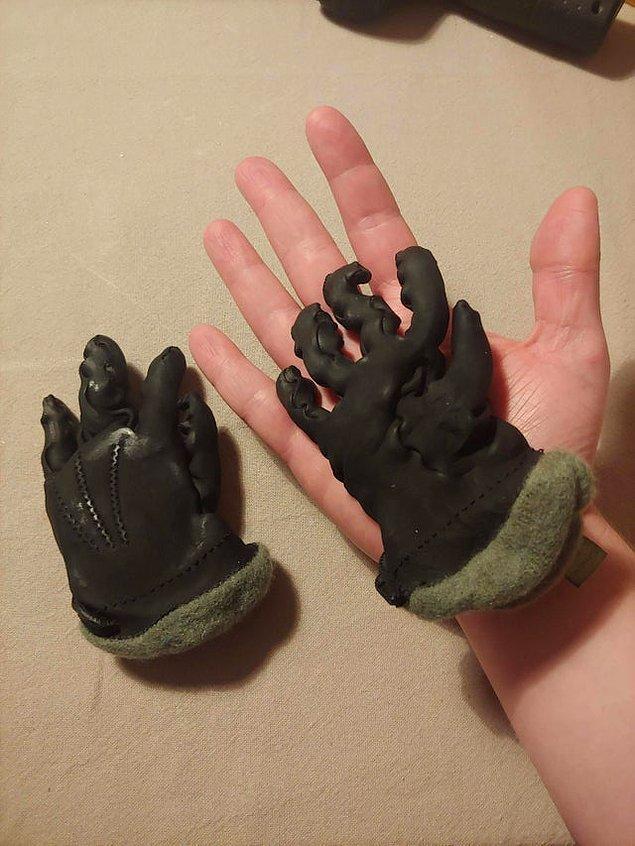 """13. """"Yanlışlıkla eldivenlerimi yıkamışım..."""""""