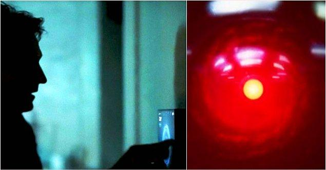 1. İlk bölümde Dolores zengin bir adamın akıllı ev sistemini hackliyor. Adam sisteme emir verdiğinde, sistem 'korkarım ki bunu yapamam' diye cevap veriyor. Bu sahne '2001: Bir Uzay Destanı' filmine bir atıf.