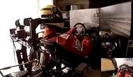 Odasına Kurduğu Düzenek ile Muhteşem Ötesi Bir F1 Deneyimi Yaşayan Adam