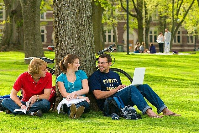6. Biraz düşün bakalım: Üniversitedeki ilk yılında seni en çok şaşırtan neydi?