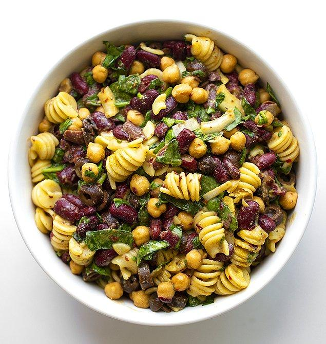 Meksika Fasulyeli Makarna Salatası Tarifi
