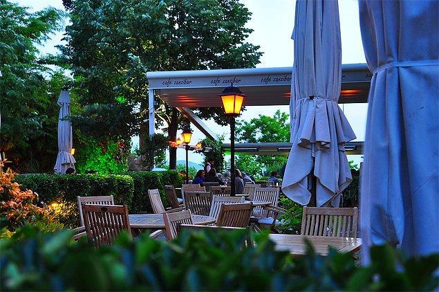Café Zanzibar, Caddebostan