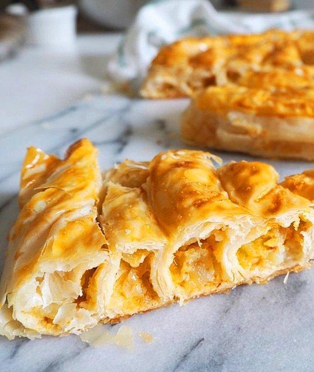 2. Yerken börekçi açmayı düşüneceğiniz: Patatesli Kol Böreği