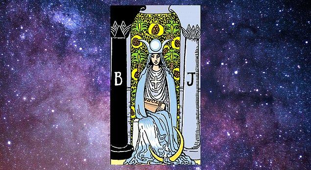 "Seçtiğin kart ""Baş Rahibe"""
