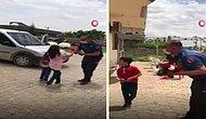 Mardin'de Kavga Var İhbarı Yapan Vatandaşlar Gelen Polise Bayram Sürprizi Yaptılar
