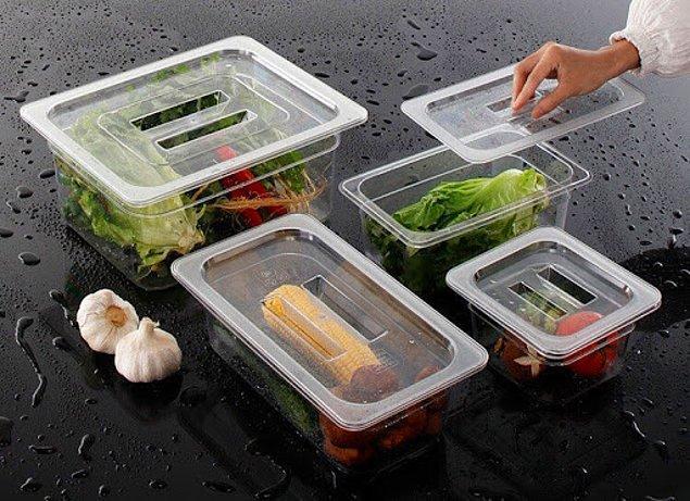 Plastik ambalajın ana avantajlarından biri, yiyecekleri daha uzun süre taze tutmasıdır.