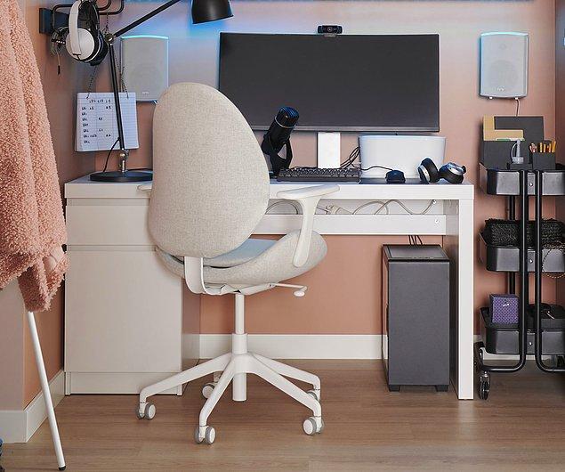 6. Ancak sırt detayı olmadan, yaslanmadan rahat edemeyenlerdenseniz farklı bir sandalye önerim de var: